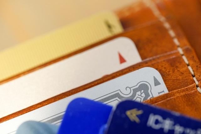格安シムのペンギンモバイル。「クレジットカードがないけど乗り換えできますか?」